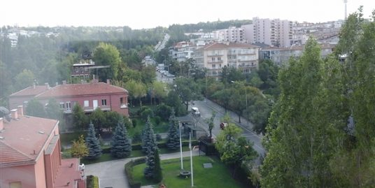 FURNISHED 3+1+LAUNDRY APARTMENT AT COMPOUND IN KAVAKLIDERE