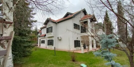 6+1 with 300m2 garden Triplex Villa in Angora Houses, Furnished/Unfurnished
